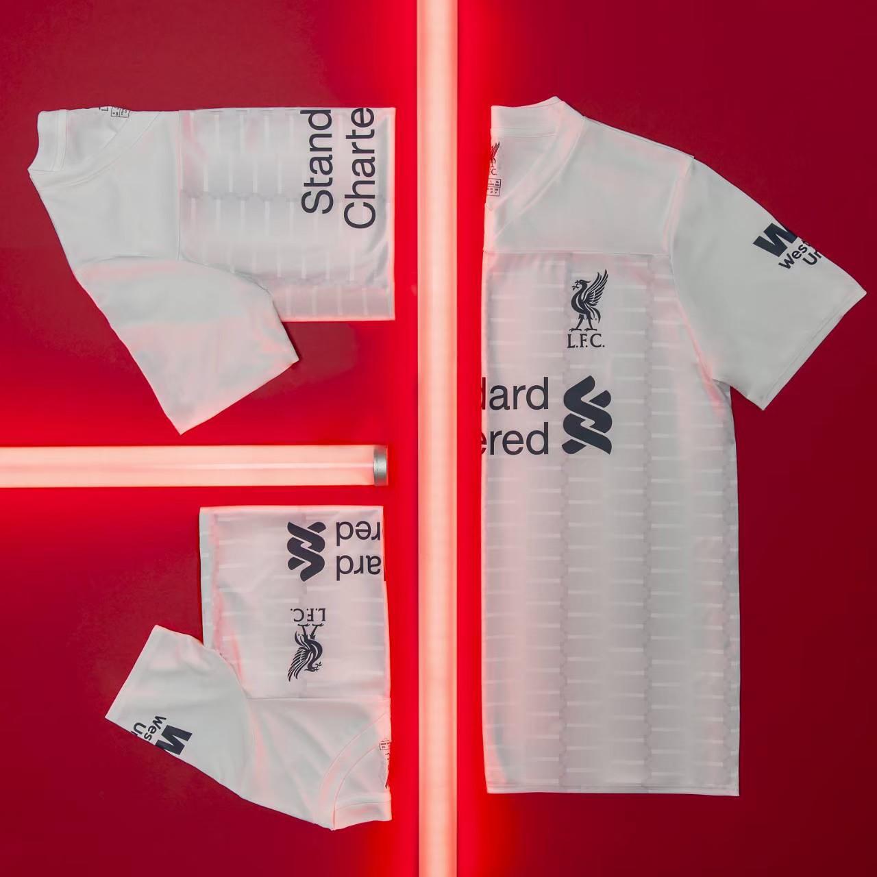 เสื้อเชียร์ ลิเวอร์พูล สีขาว ปี 2020